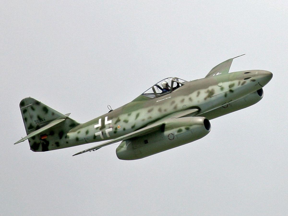 1200px-Me_262_flight_show_at_ILA_2006_(cropped).jpg