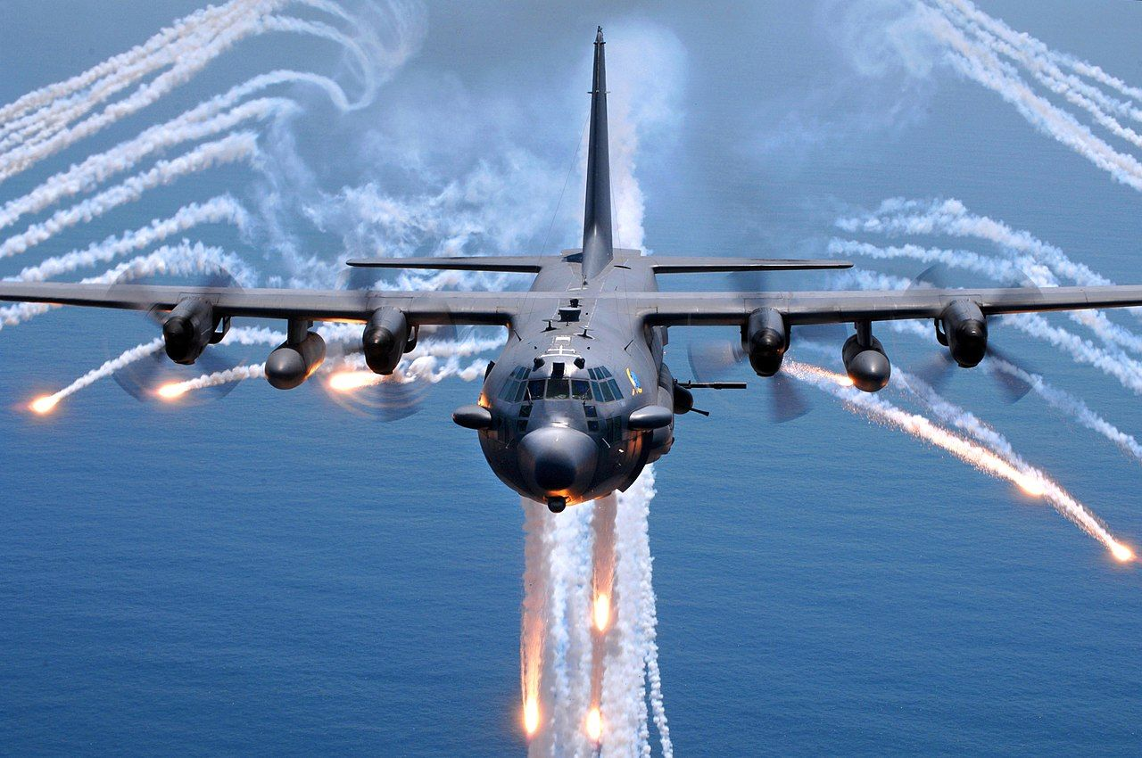 1280px-AC-130H_Spectre_jettisons_flares.jpg