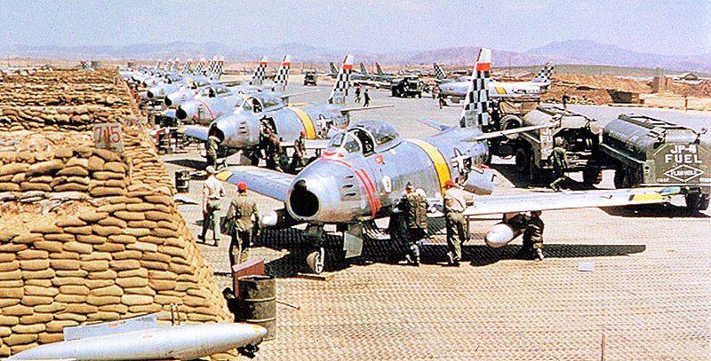 800px-51st_fighter_interceptor_wing_at_suwon,_s.k.jpg
