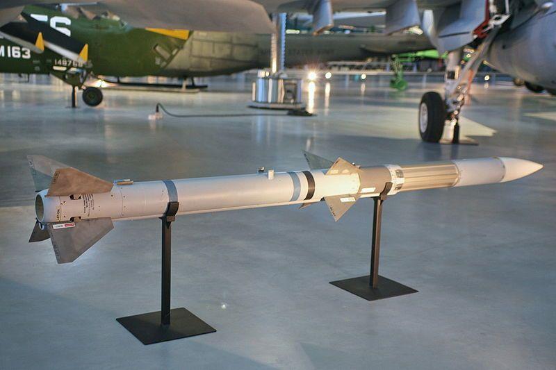 800px-AIM-120A_AMRAAM_AAM.jpg
