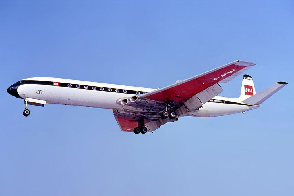 BEA_de_Havilland_DH-106_Comet_4B_Berlin.jpg