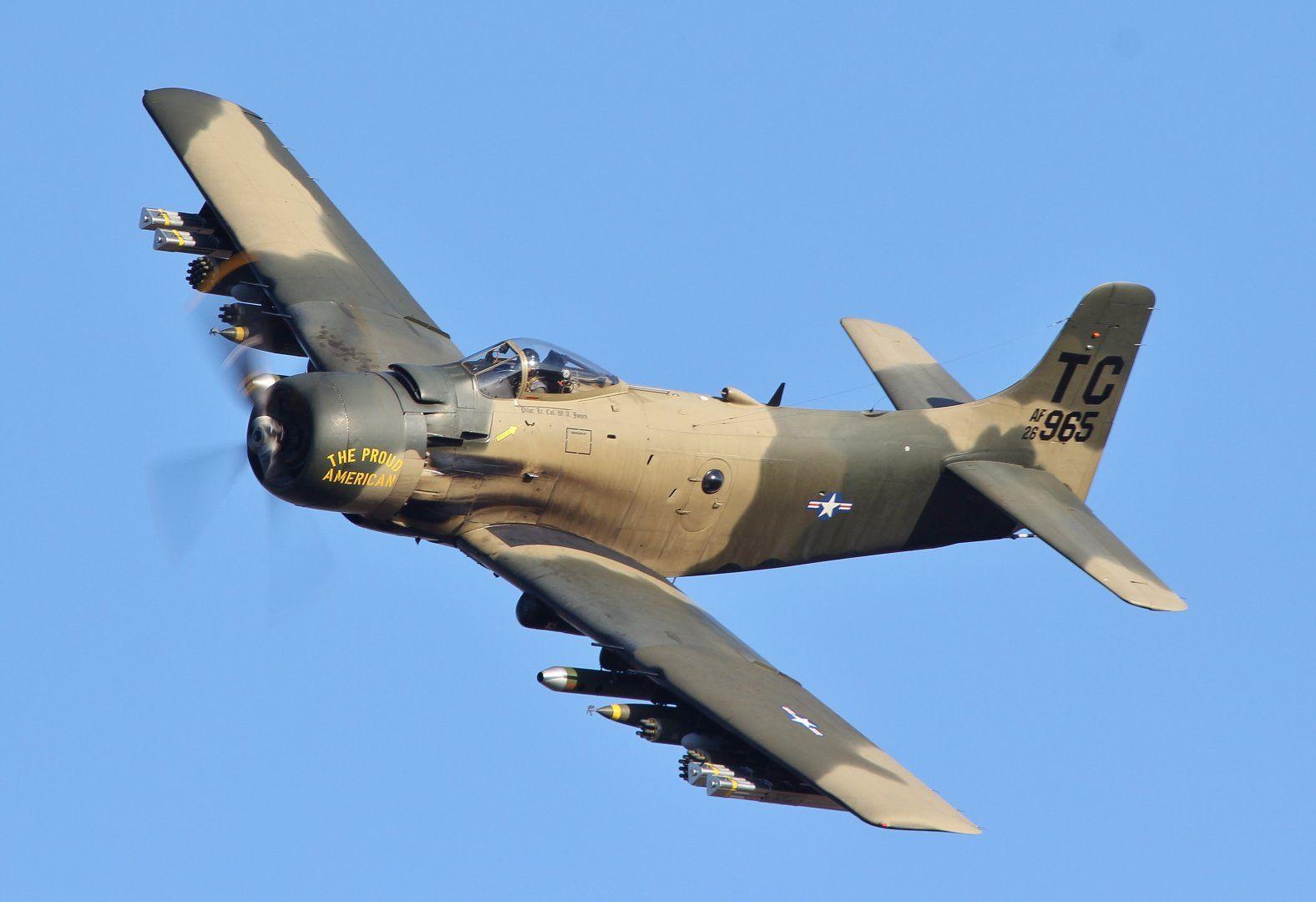 Douglas_A-1_Skyraider_(AD-4NA,_126965)_(7911148090).jpg
