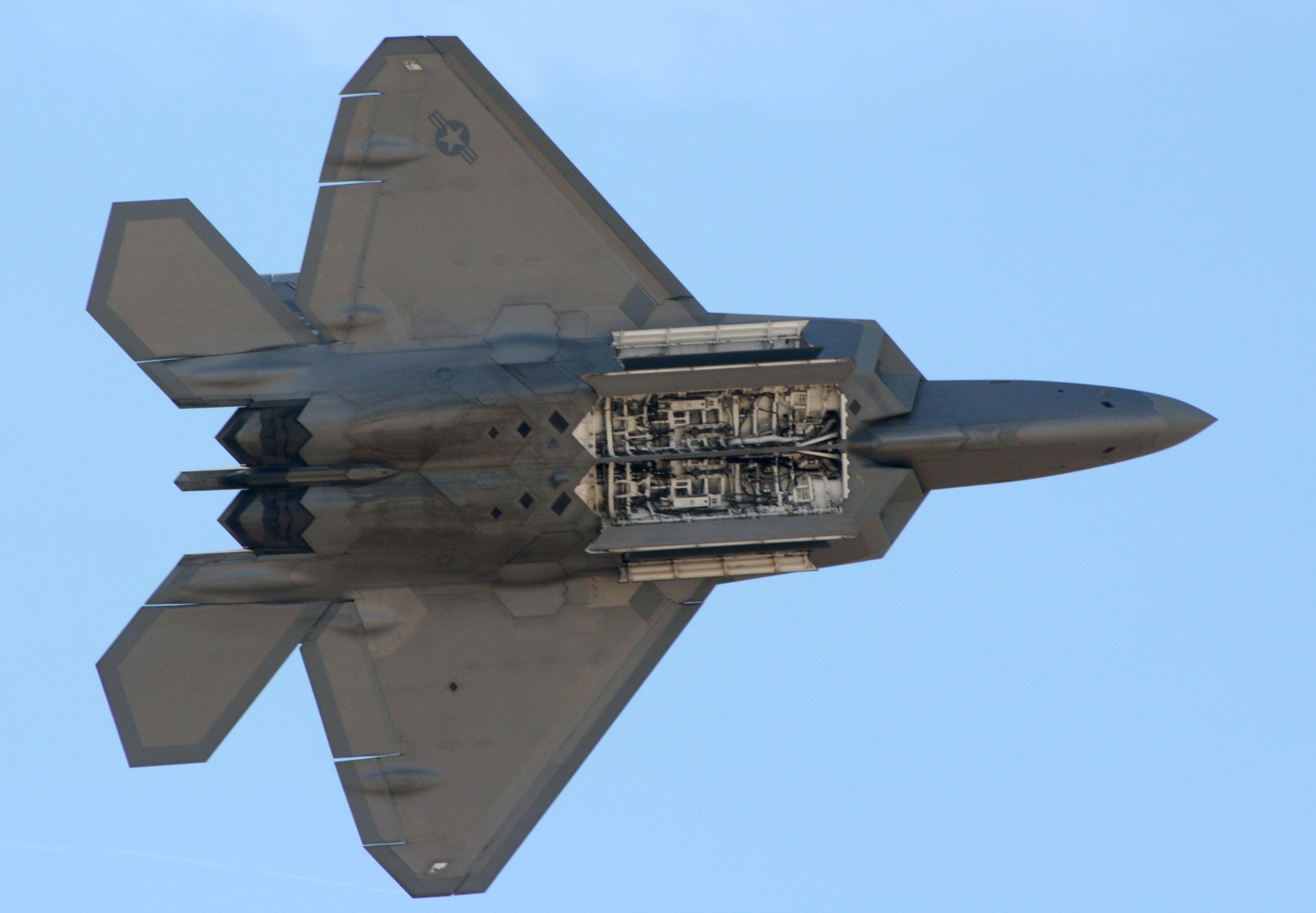 F-22_Raptor_Internal_Weapons_Bay.jpg