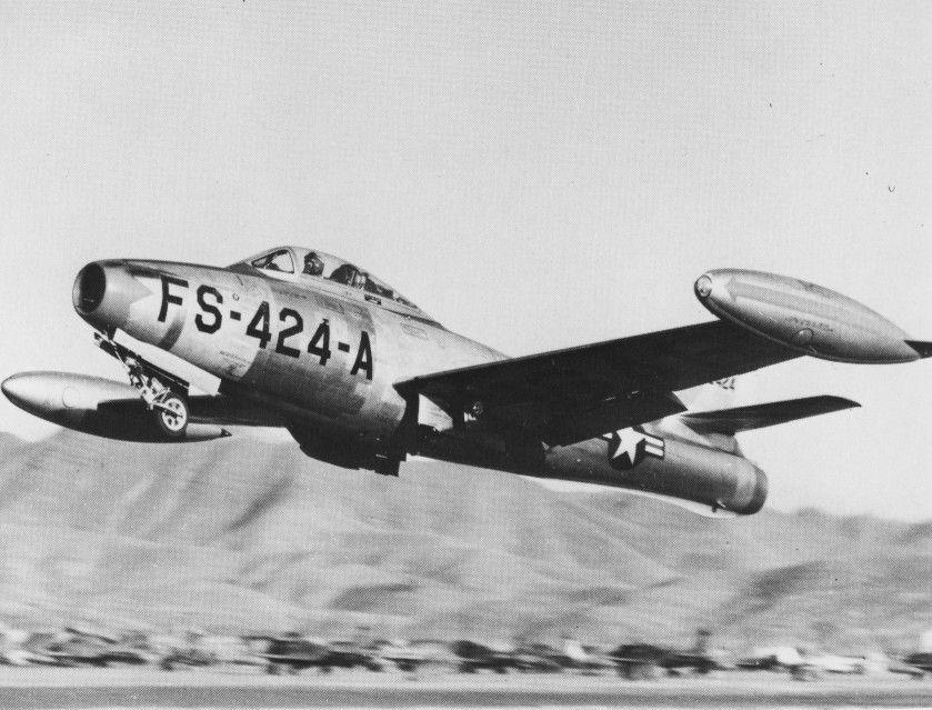 F-84E_of_9th_Fighter-Bomber_Squadron_in_Korea.jpg