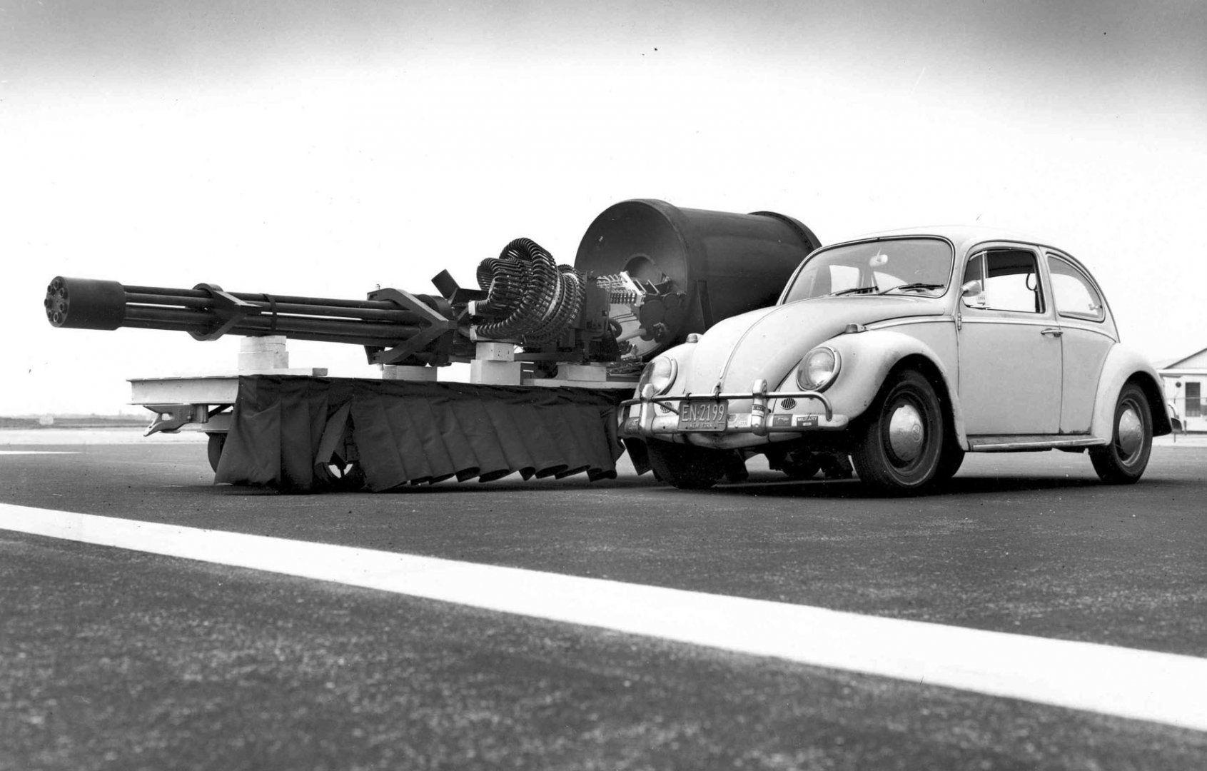 GAU-8_meets_VW_Type_1.jpg