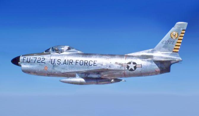 North_American_F-86D_(722).jpg