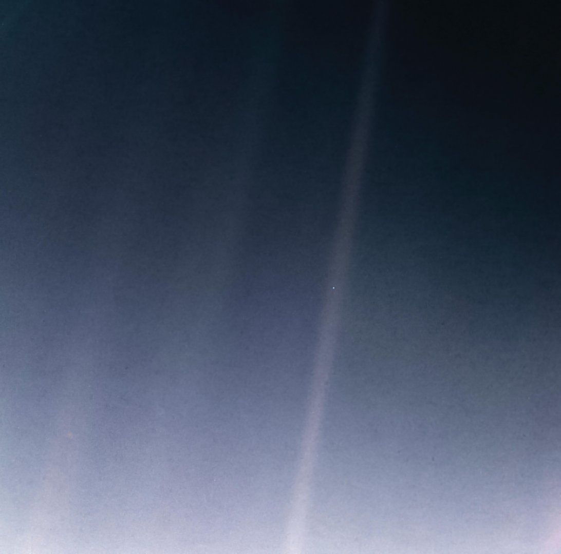 PIA23645-Earth-PaleBlueDot-6Bkm-Voyager1-orig19900214-upd20200212.jpg