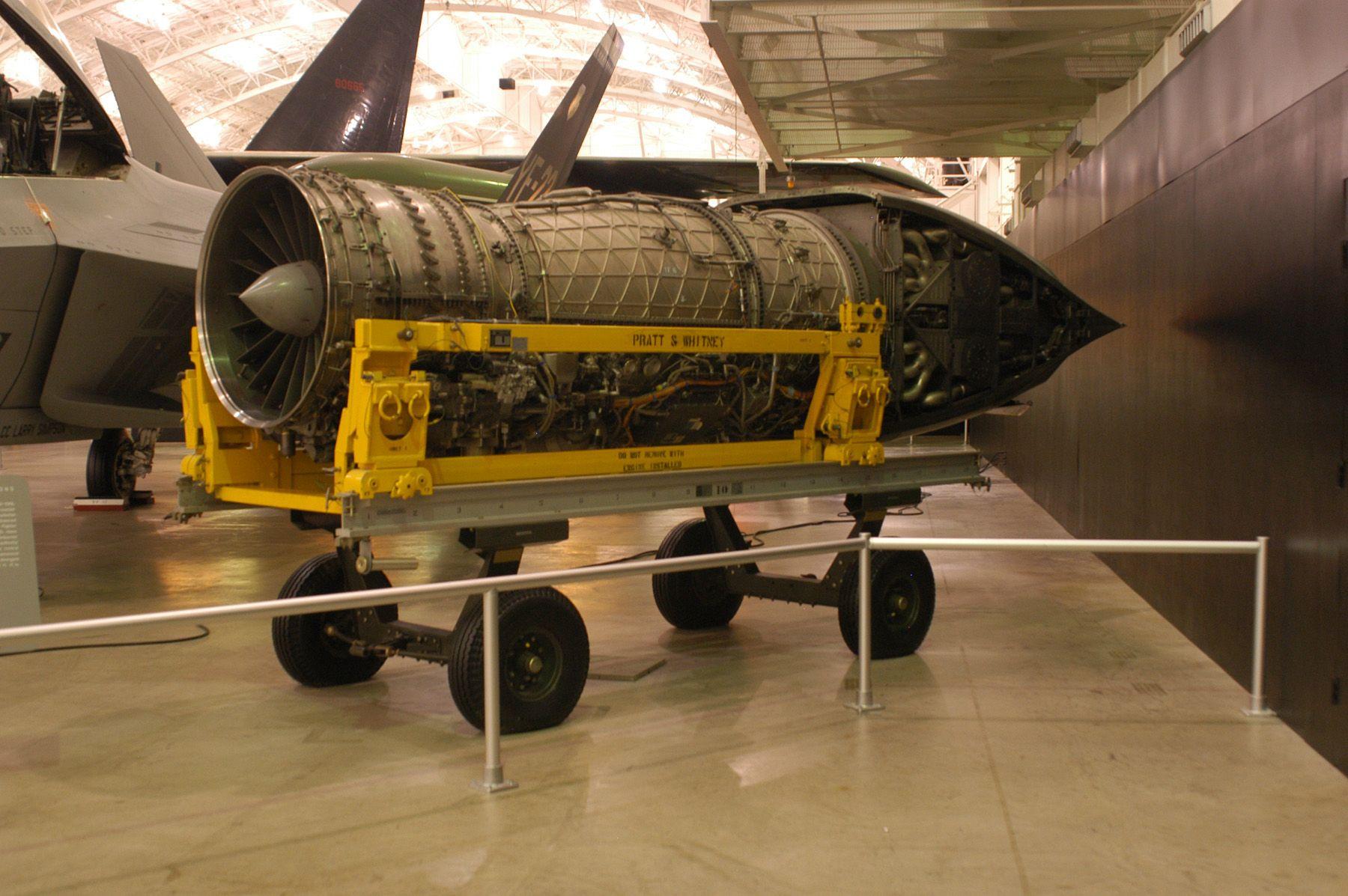 Pratt_&_Whitney_YF-119_USAF.jpg