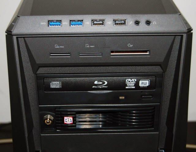 ASUS ROG TYTAN CG8580 Masaüstü Bilgisayar Ön Panel