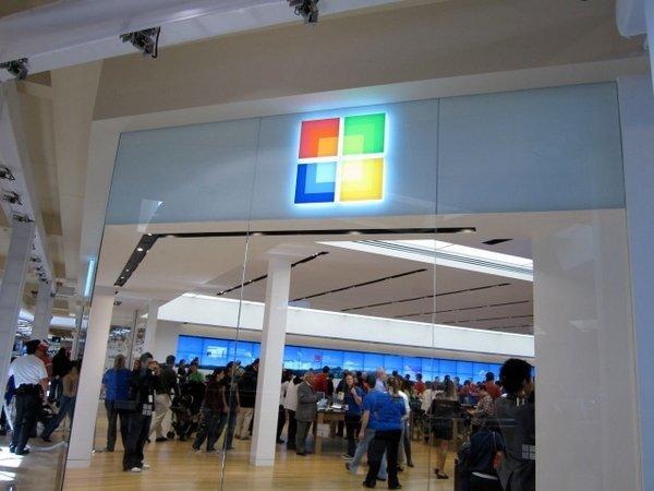 Microsoft, Birleşik Krallık'ta açılması planlanan ilk dükkanlar için çalışmalarına başladı.