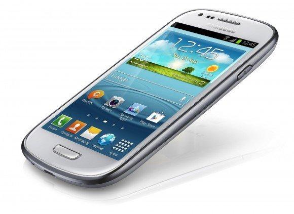 Samsung'u yeni gözdesi mini akıllı telefonun İngiltere pazarı için detayları açıklandı.