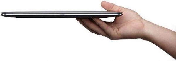 Dell XPS 13 Ultrabook ince ve hafif bir yapıya sahip.