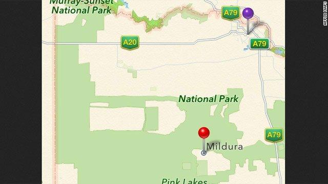 Apple Maps'in kırmızı raptiye ile gösterdiği Mildura kentinin yerinin mor raptiye ile gösterilen yeri işaret etmesi gerekiyor. Bu sebepten ötürü araç sahipleri kendilerini ulusal parkın ortasında buldu.