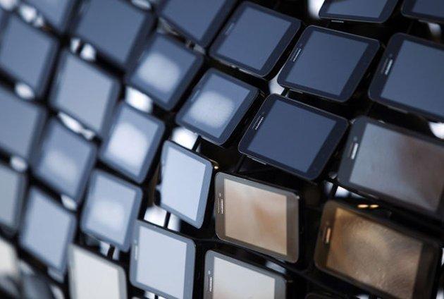 Akıllı Telefonların gittikçe yaygınlaşmasıyla birlikte, Telefon pazarında inanılmaz bir büyüme yaşanıyor.
