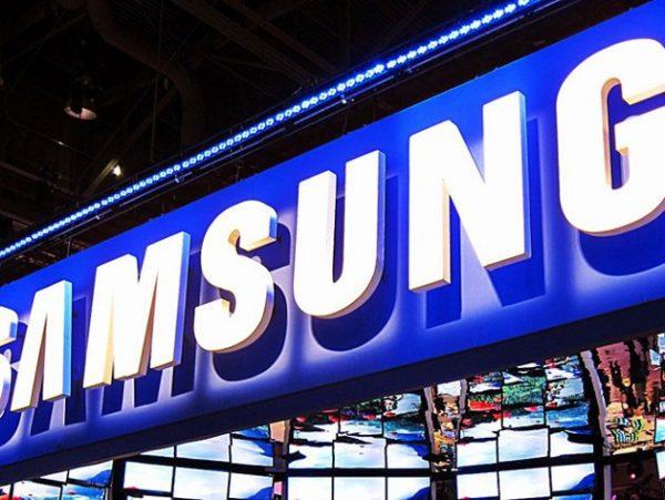 Samsung firması, tablet pazarındaki rekabette geride kalmak istemiyor.