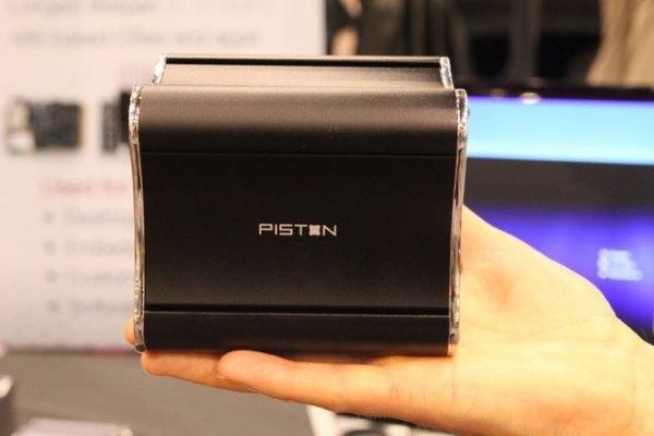 İnternette Steam Box olduğu iddia edilen bu görüntü aslında Xi3 firmasının geliştirdiği Piston isimli bir cihaz.