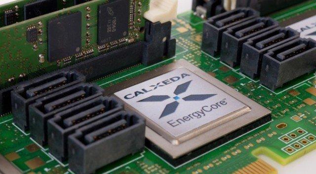 Calxeda ARM-bazlı EnergyCard server teknolojisi ile x86 mühendisliğini sallayacak.