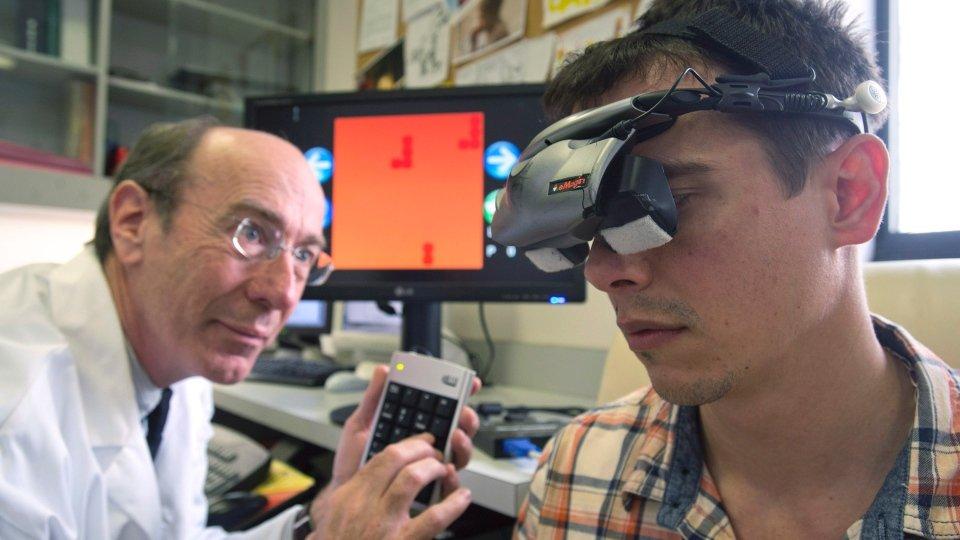 Görme bozukluğu olan hastalar Tetris oynayarak iyileşebilecek.