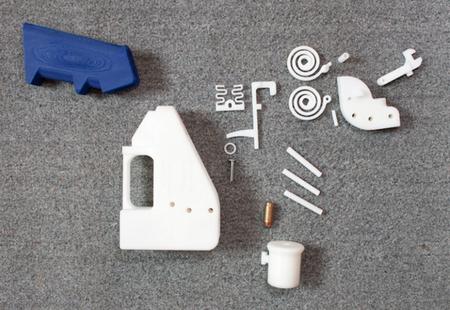 3D yazıcı ile elde edilen Liberator adlı plastik silah.