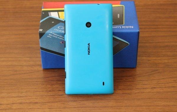 Nokia_Lumia_520_04