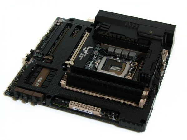 Asus GRYPHON Z87 (24)