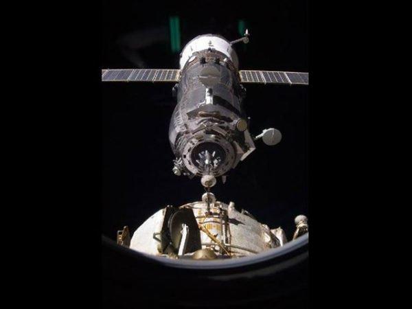 Yörüngedeki gözlemcilerimize erzak yardımı yapıldı.