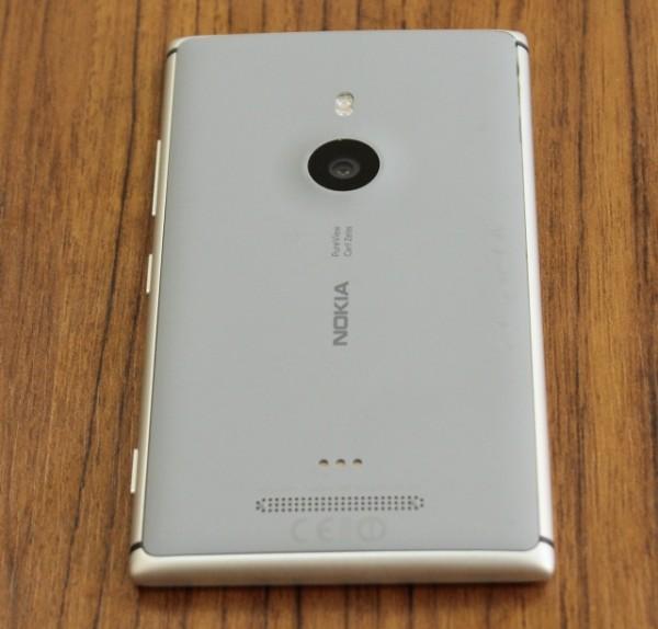 Nokia_Lumia_925_04