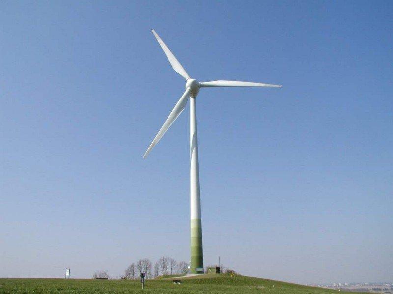 Enerji açığını kapatmak için yenilenebilir enerjiye yatırım yapılıyor.