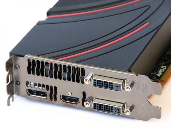AMD Radeon R9 270X (4)