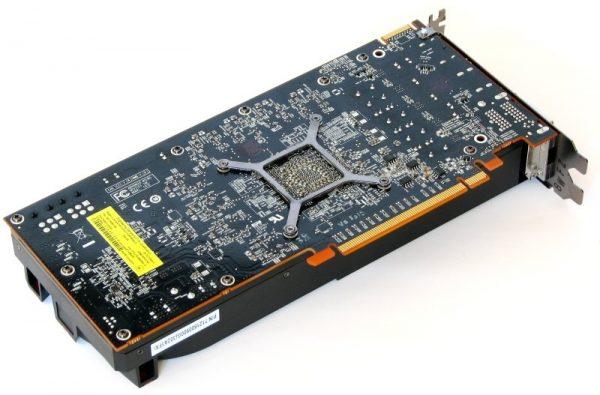 AMD Radeon R9 270X (7)