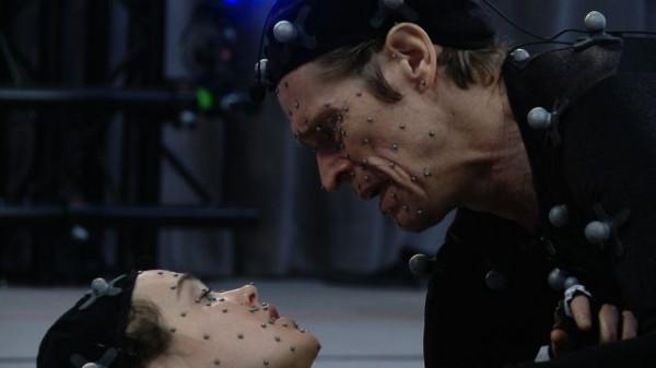 Ellen Page (Solda) ve Willem Dafoe (Sağda) yüz yakalama teknolojisi sayesinde tüm oyuna farklı bir ruh katmışlar.