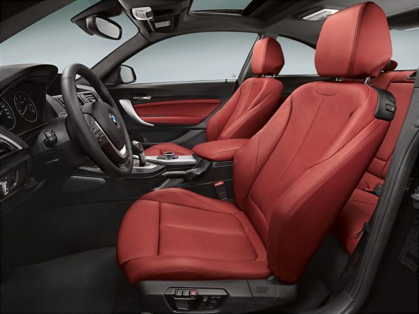 BMW her zamanki gibi kaliteli bir iç tasarım hazırlamış.BMW her zamanki gibi kaliteli bir iç tasarım hazırlamış.