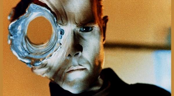Terminator 2 filminin unutulmaz karakteri T-1000.