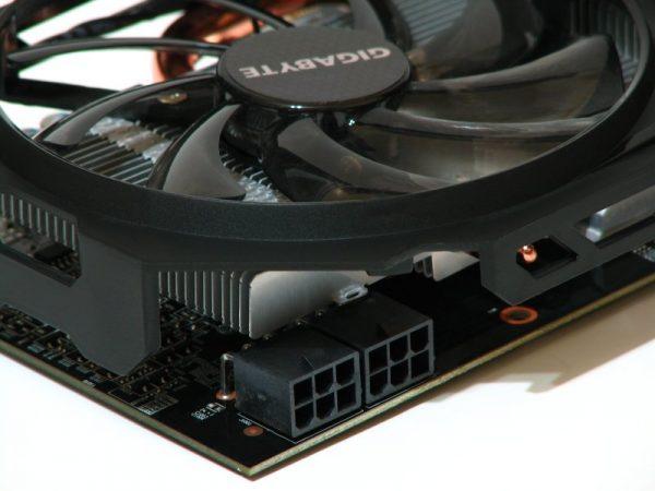 AMD Radeon R9 270 (33)