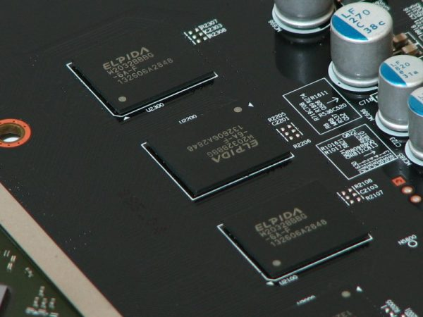 AMD Radeon R9 270 (37)