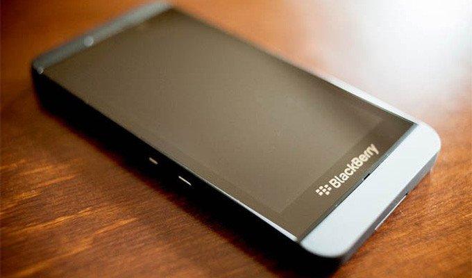 BlackBerry Z30, farklı bir taşıyıcı firma tarafından yeniden piyasaya sürülecek.