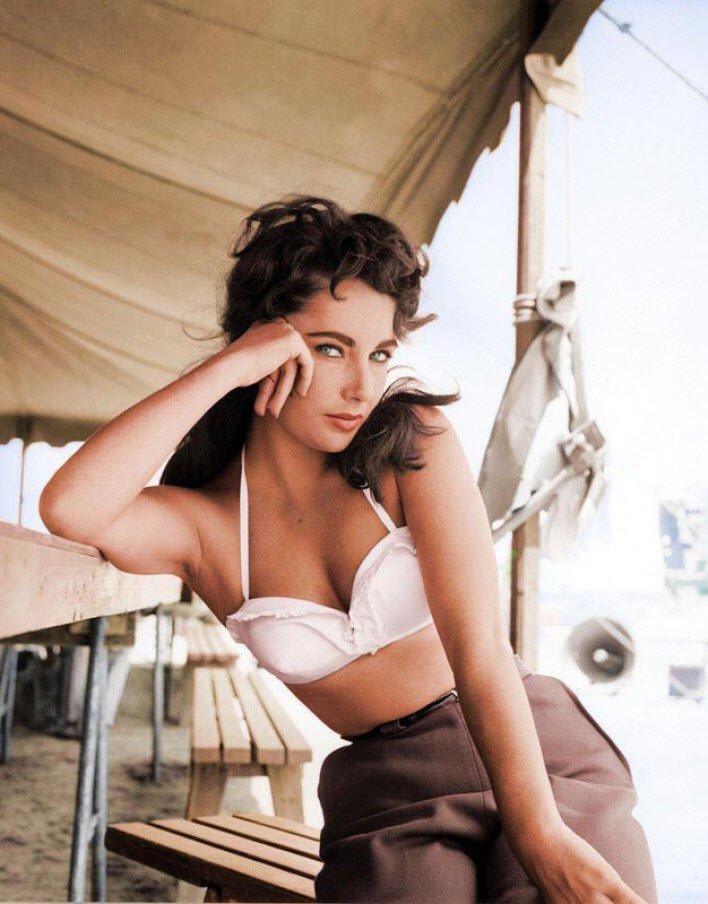 1956'da Giant filmi çekimlerinde efsane aktris Elizabeth TTaylor