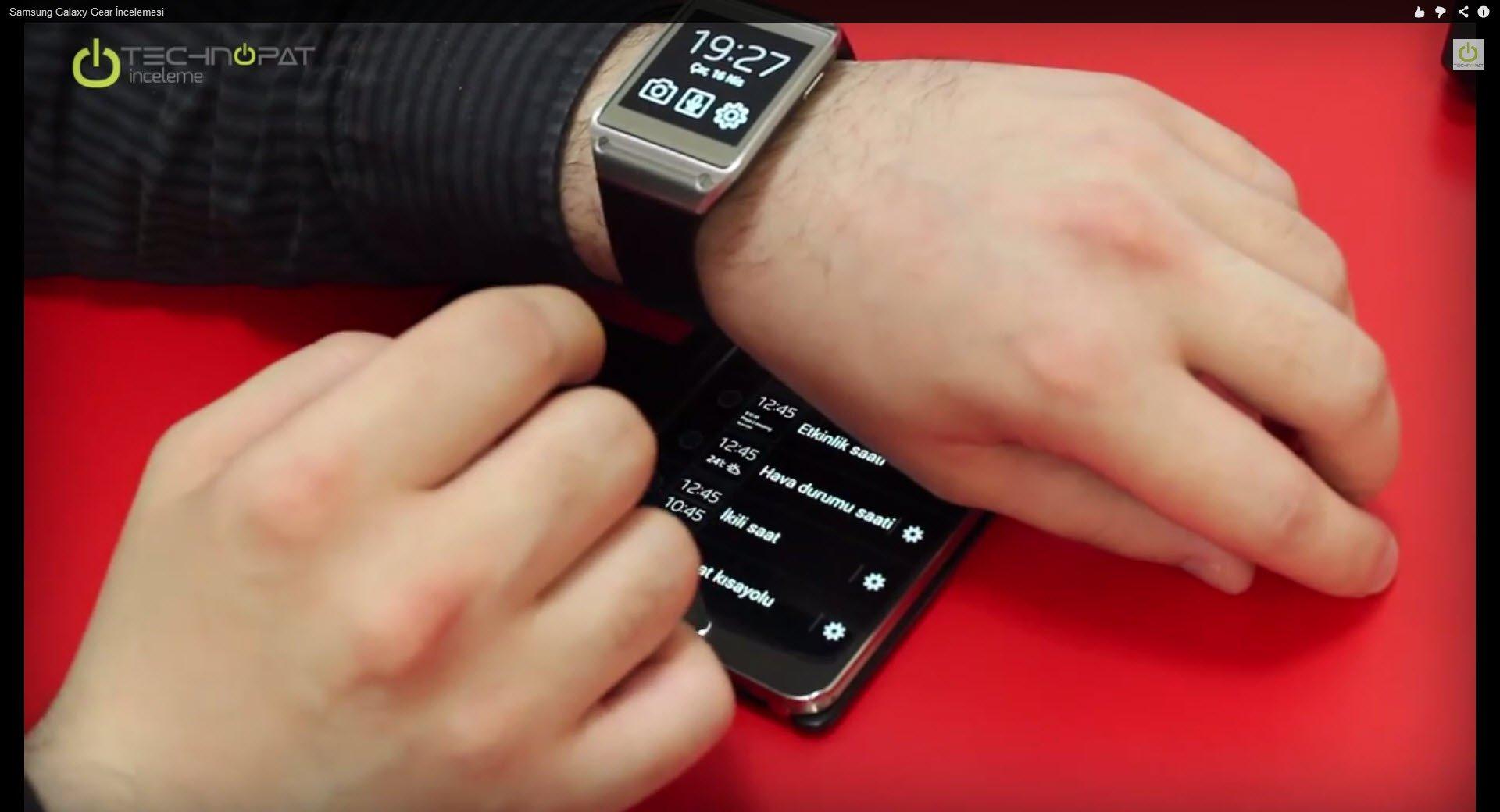 Samsung Galaxy Gear ile ilgili merak ettiğiniz bütün soruların cevabını inceleme videomuzda bulabilirsiniz...