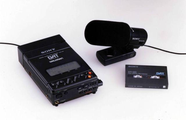 1987 yılında piyasaya sürülen Digital Audio Tapes (DAT) ile birlikte Walkmanlere 1990 yılına kadar ses kaydetme şansı tanındı.