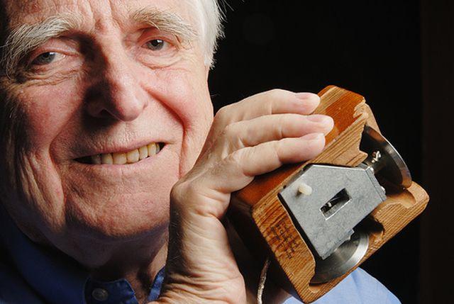Douglas-Engelbart-fare