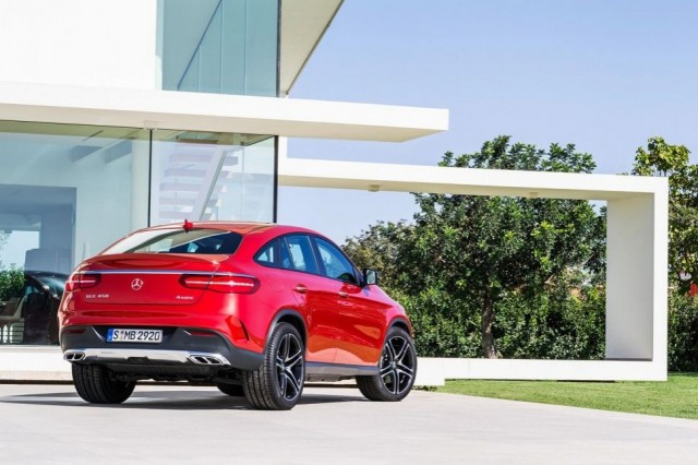 2016-mercedes-gle-coupe-2