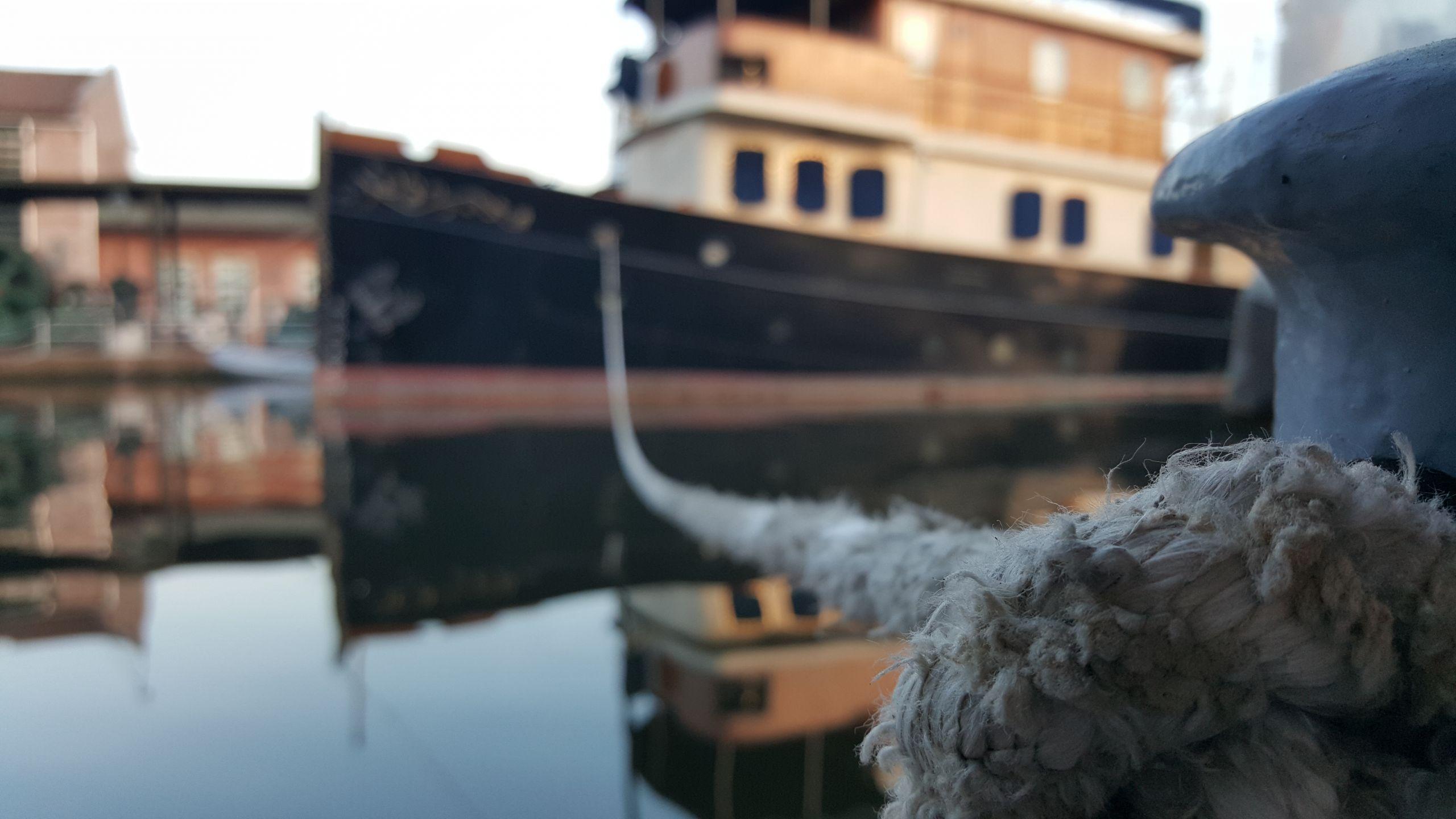 Koç Müzesi'nde gemi halatına odaklı çekim.