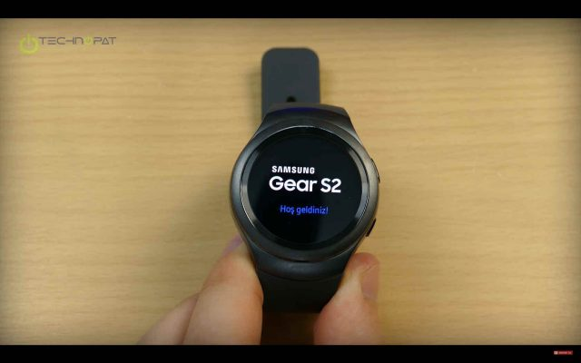 Samsung Gear S2 Kutudan Çıkıyor