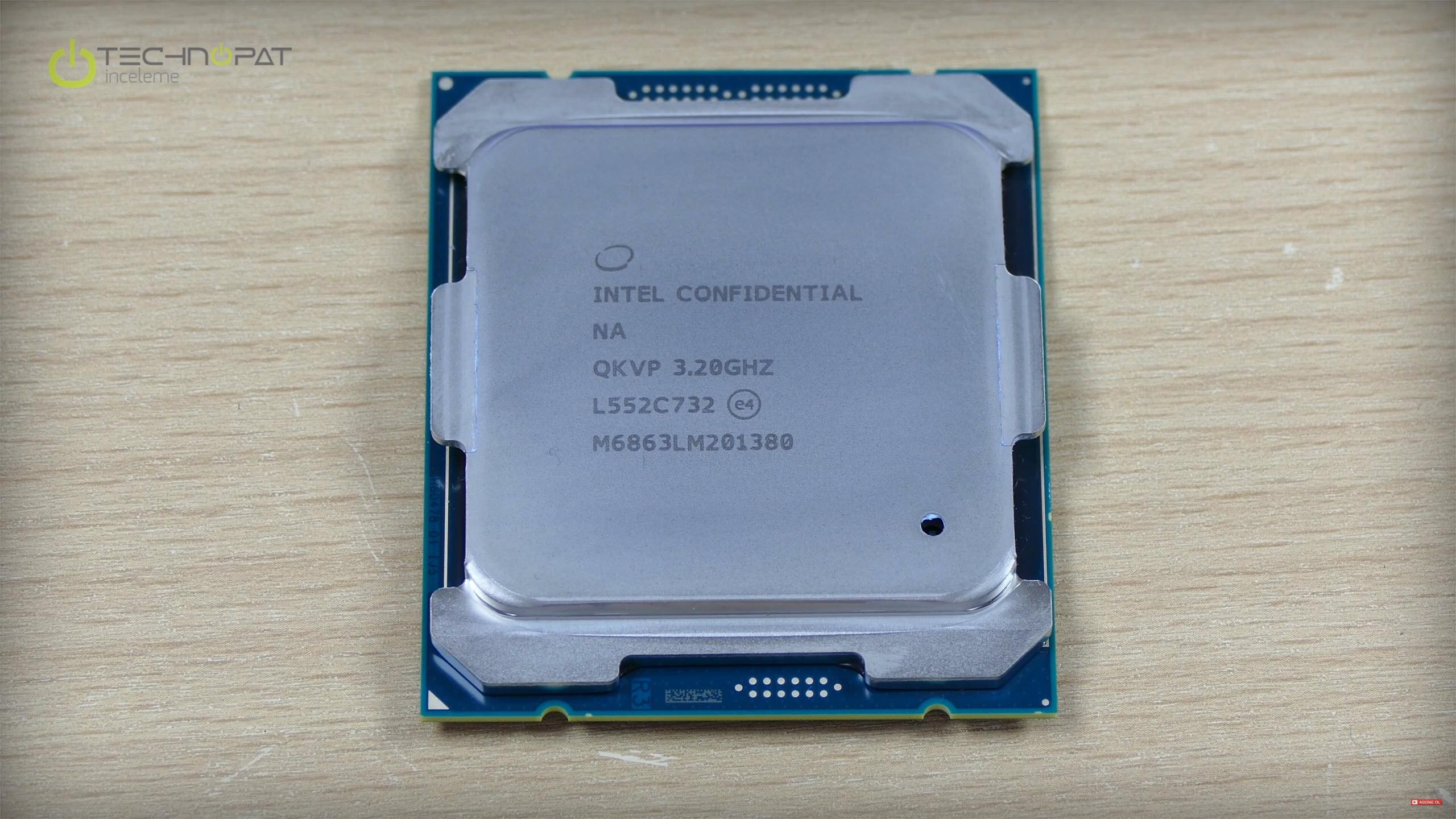 Intel Core i7 6900K İşlemci: 8 Çekirdek