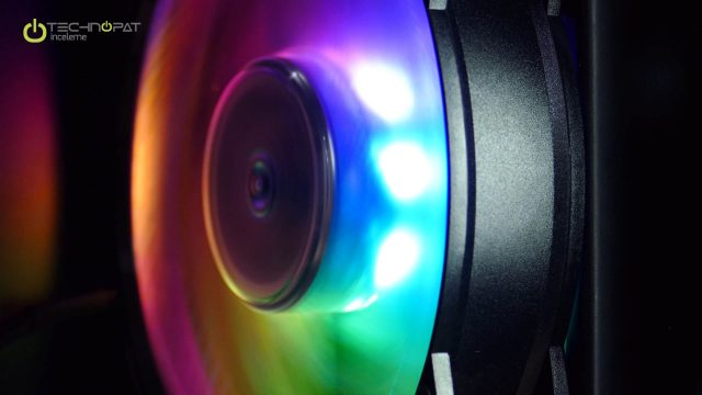 [Resim: coolermaster-masterliquid-ml240r-rgb-tec...40x360.jpg]