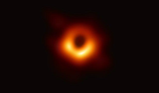 İlk Kara Delik Fotoğrafı
