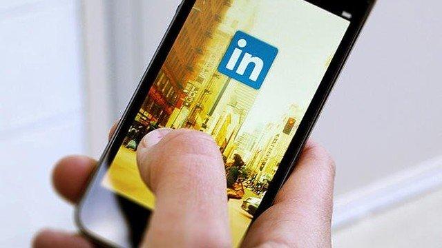 LinkedIn Kişi Etiketleme