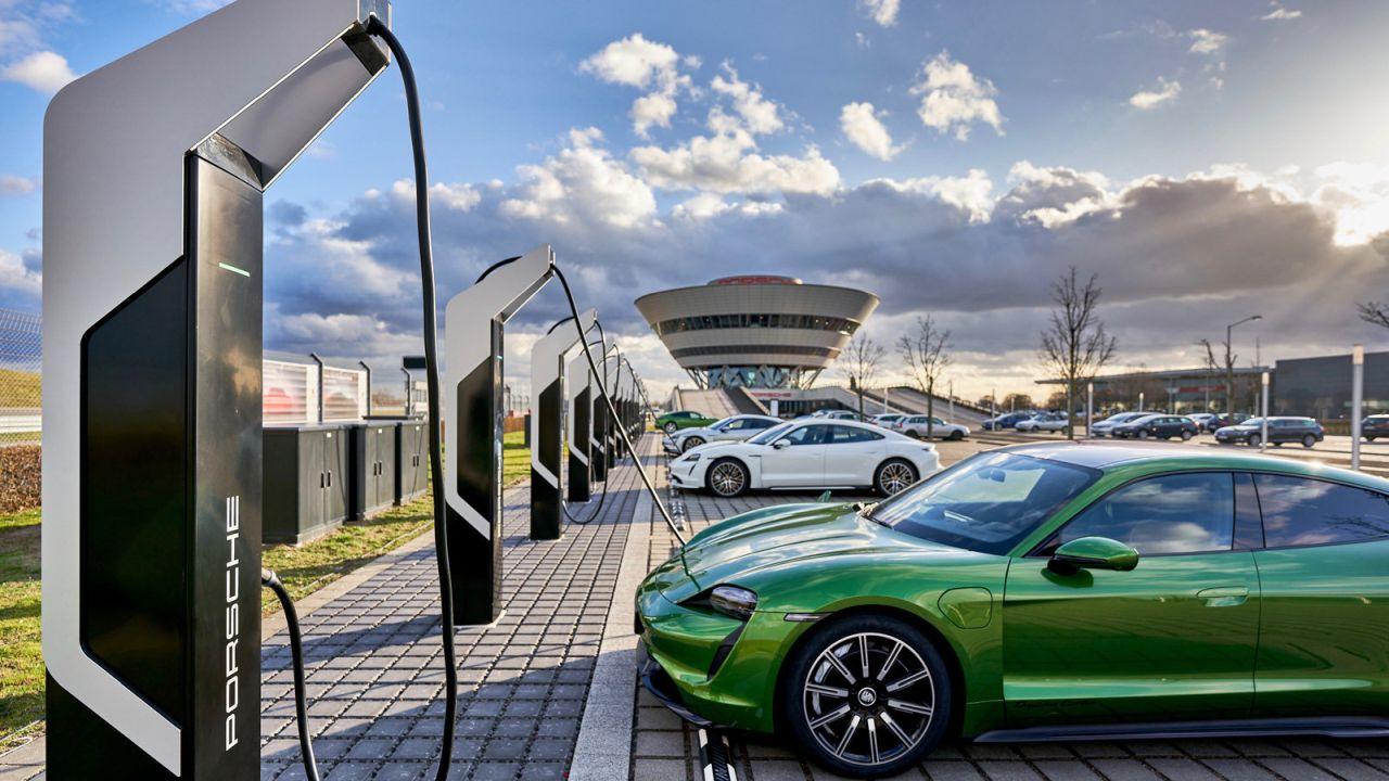 Porsche Avrupa Elektrikli Taşıt Şarj