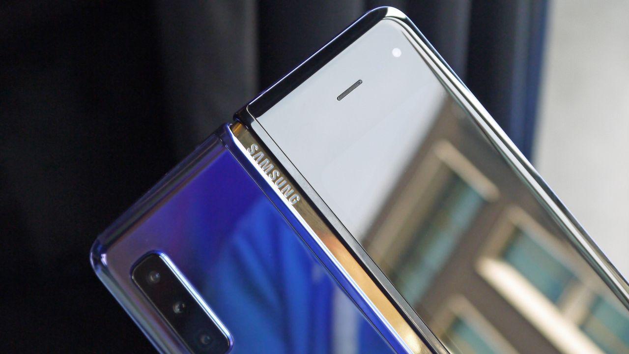 Galaxy Fold 2 Ekran Altı Kamera