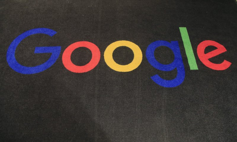 Google, Fransız Haber Sitelerine Telif Hakkı Ödemeye Başlıyor